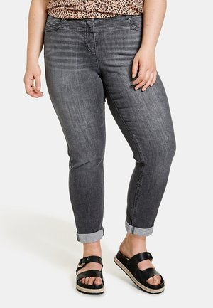 BETTY - Relaxed fit jeans - black denim
