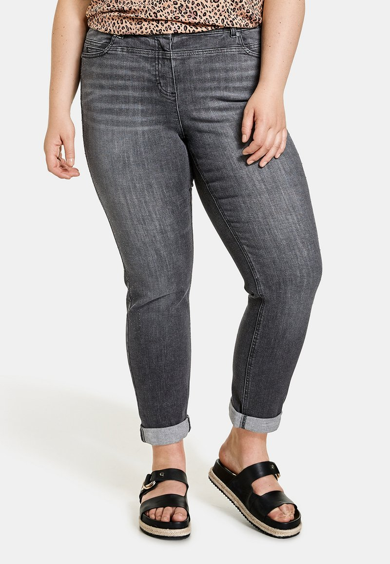 Samoon - BETTY - Relaxed fit jeans - black denim