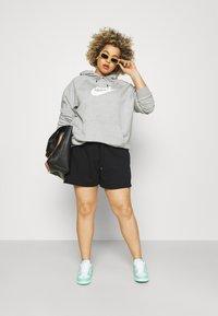 Nike Sportswear - AIR PLUS - Shorts - black/white - 1