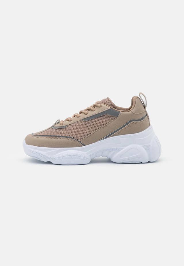 SLIM FIT MIX TRAINERS - Sneakers laag - beige