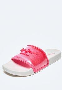 Pepe Jeans - Pool shoes - fresa - 5