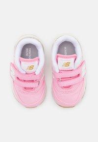 New Balance - IZ997HHL - Trainers - pink - 3