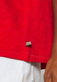 Esprit - Basic T-shirt - dark red - 5
