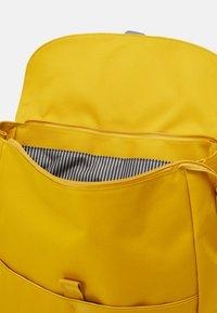 Lässig - GREEN LABEL BACKPACK ADVENTURE SET - Rugzak - lemon curry - 2
