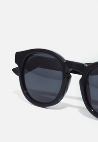 Gucci - Sunglasses - black/grey - 5