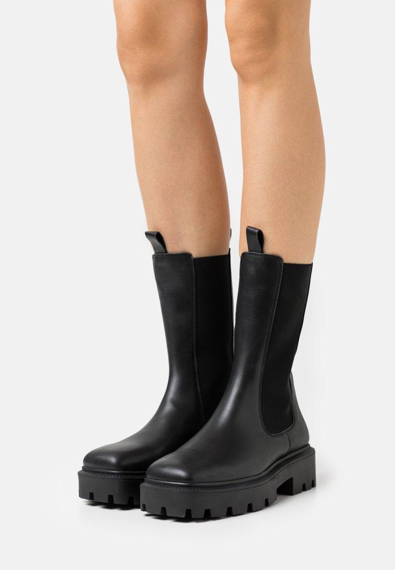 Bianco - BIADANIELLE CHELSEA BOOT - Platform boots - black