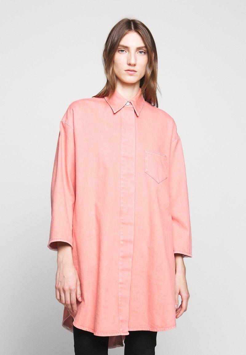MM6 Maison Margiela - Krátký kabát - pink