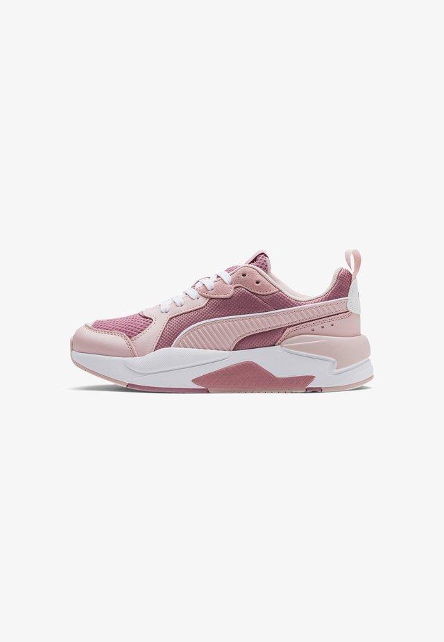 PUMA X-RAY TRAINERS UNISEX - Sneakers - foxglove-peachskin- white