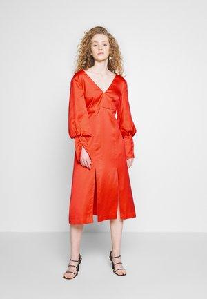 YASMIN DRESS - Vestito estivo - coral