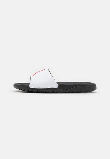 JORDAN BREAK SLIDE - Mules - black/university red/white
