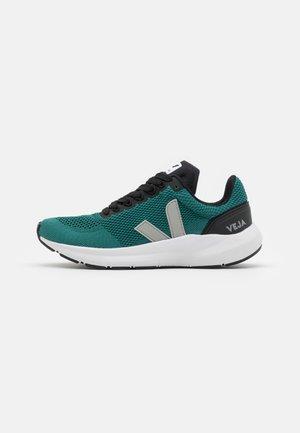 MARLIN LT - Chaussures de running neutres - brittany/oxford grey