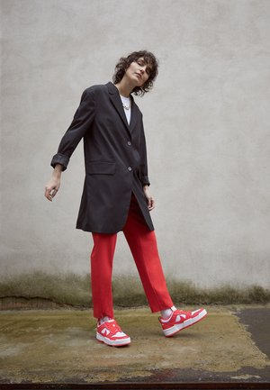 DUNK - Sneakers - siren red/white