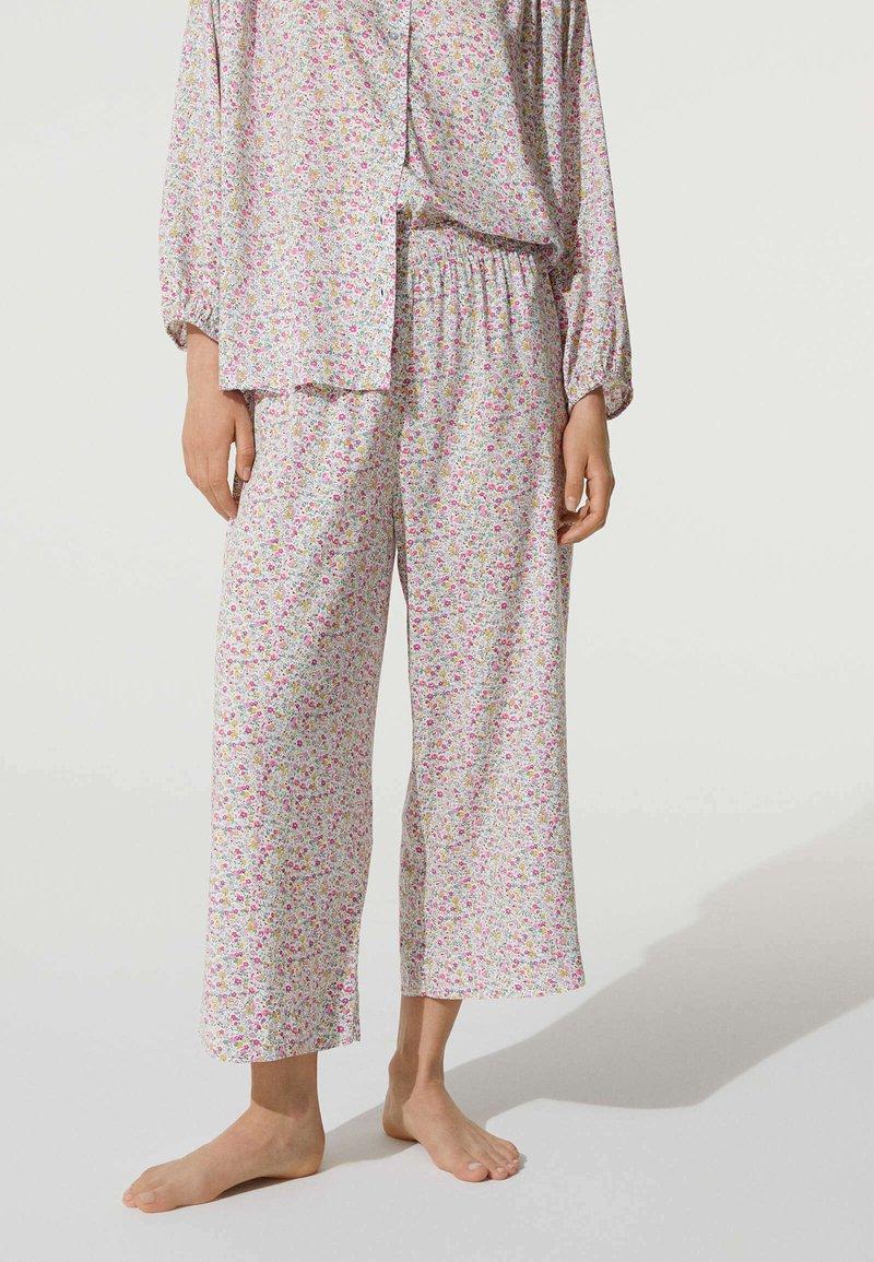 OYSHO - MIT BLÜMCHEN - Pyjama bottoms - beige