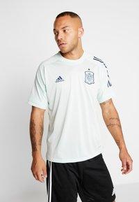 adidas Performance - SPAIN FEF TRAINING SHIRT - Print T-shirt - green - 0