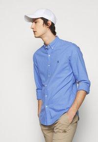 Polo Ralph Lauren - LONG SLEEVE SPORT SHIRT - Shirt - harbor island blu - 4