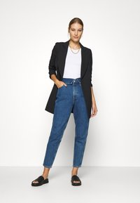Calvin Klein Jeans - MOM - Relaxed fit jeans - dark blue - 1
