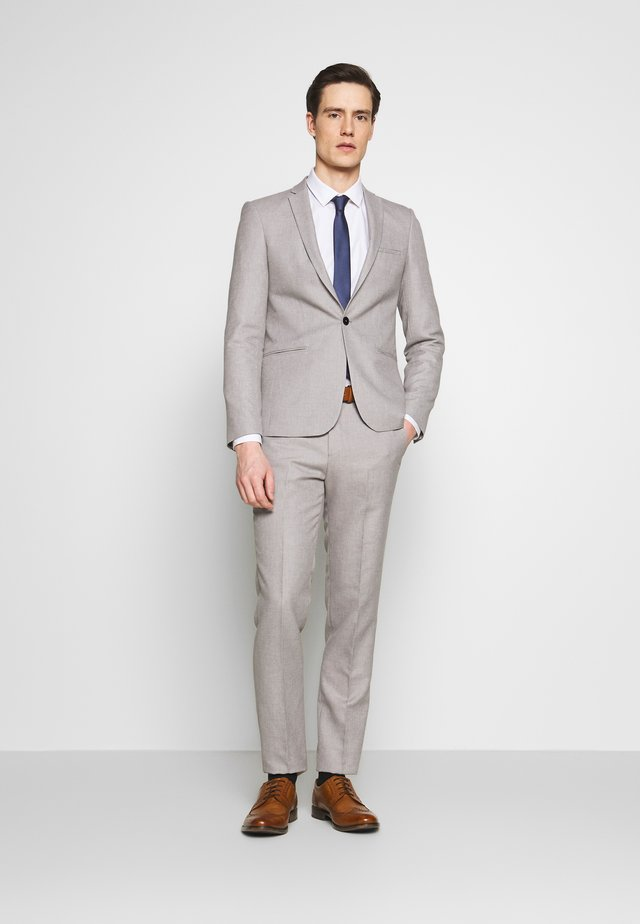 PRIZE SUIT - Puku - grey