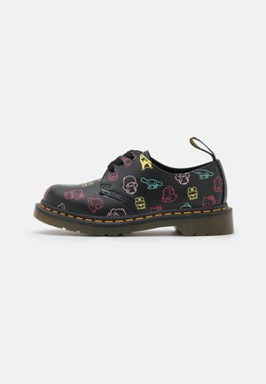 1461 X HELLO KITTY & FRIENDS - Veterschoenen - black smooth