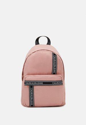 INSTITUTIONAL LOGO BACKPACK - Batoh - pink