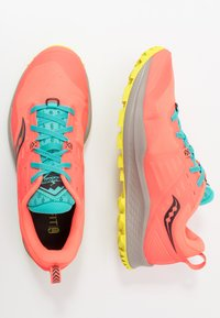 Saucony - PEREGRINE 10 - Trail running shoes - vizired/citron - 1