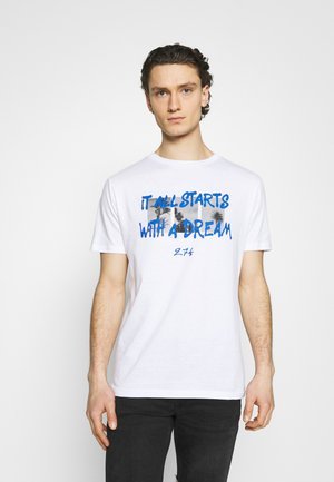 DREAM TEE - Print T-shirt - white