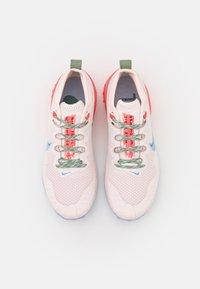 Nike Performance - WILDHORSE 7 - Løpesko for mark - light soft pink/aluminum/magic ember/bicoastal/oil green/phantom - 3