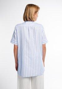 Eterna - Button-down blouse - hellblau weiß - 1