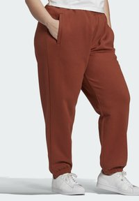 adidas Originals - CUFFED JOGGERS - Tracksuit bottoms - brown - 2