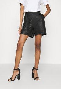 DEPECHE - Shorts - black - 0