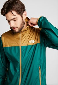 The North Face - MENS CYCLONE 2.0 HOODIE - Veste imperméable - night green/british khaki - 4