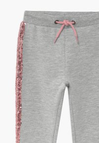 Blue Seven - KIDS SEQUIN SIDE STRIPE - Tracksuit bottoms - grey - 3