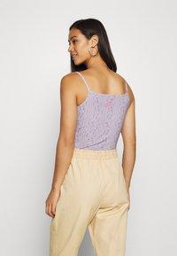 Nike Sportswear - FESTIVAL - Top - iced lilac/digital pink - 2