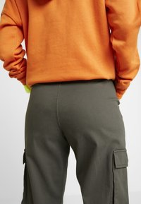 ONLY - Trousers - beluga - 4