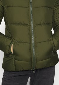 Save the duck - RECYY - Winter jacket - dusty olive - 8