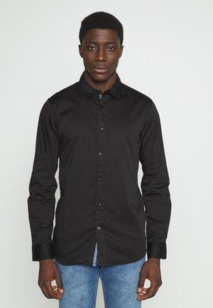 GREGH - Košile - black