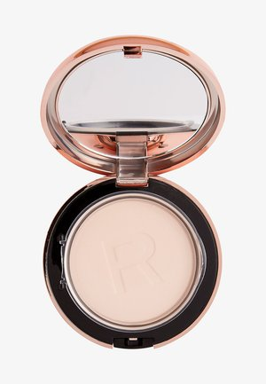 CONCEAL & DEFINE POWDER FOUNDATION - Foundation - p0.1