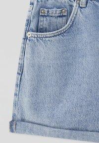 PULL&BEAR - Shorts di jeans - light blue - 6