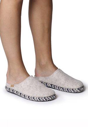 MIRI-FP - Slippers - cru