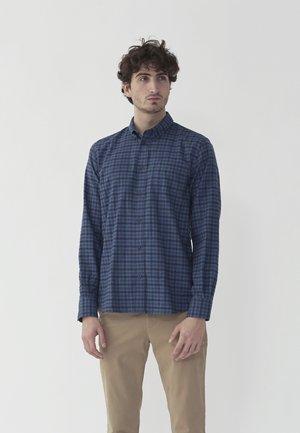 VOLF - Skjorter - blue