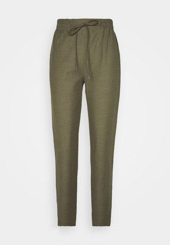 YOLANDA PANTS - Trousers - army green