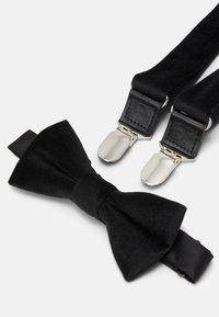 Only & Sons - ONSBOWTIE SUSPENDER SET - Belt - black - 7