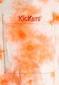 Kickers Classics - TWO TONE TEE - T-shirt z nadrukiem - orange - 6