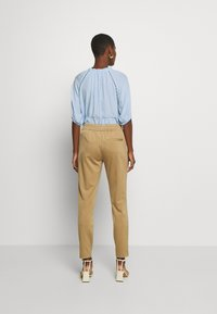 Marc O'Polo PURE - Trousers - mellow almond - 2
