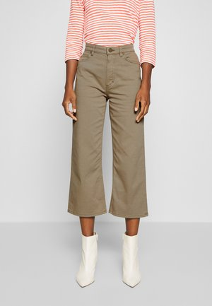 TROUSERS HIGH WAIST STRAIGHT WIDE LEG - Spodnie materiałowe - bleached olive