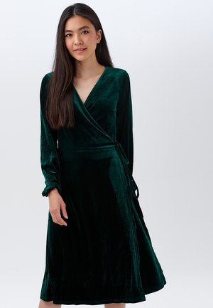 KLARA EMERALD VELVET - Day dress - green