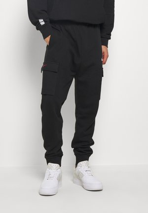 PANT - Jogginghose - black