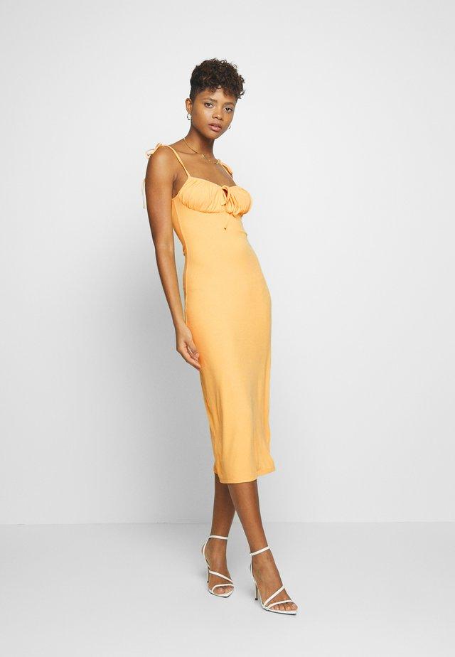 SIZZLE - Vestito di maglina - yellow