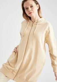 DeFacto - Zip-up hoodie - beige - 6