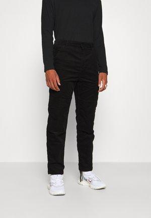 KEYTO PANT FORD - Reisitaskuhousut - black rinsed