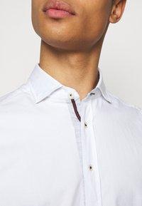 Hackett London - SLIM FIT - Shirt - white - 6